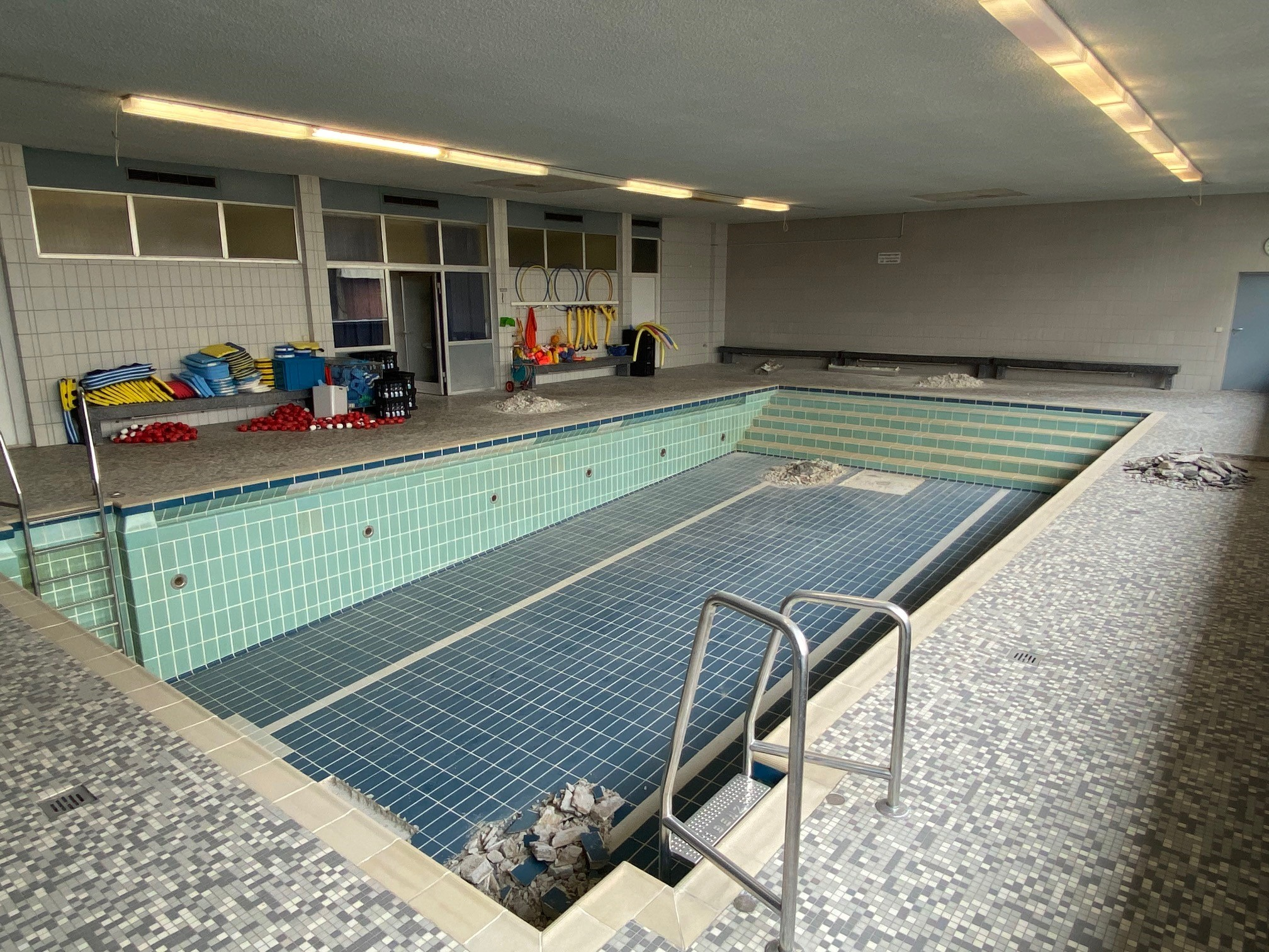 Lehrschwimmbad an der Ludwig-Uhland-Schule